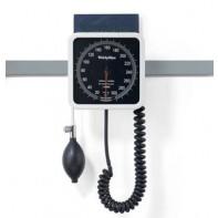 TriCUFF med Welch Allyn 767 rälsmanometer och korg